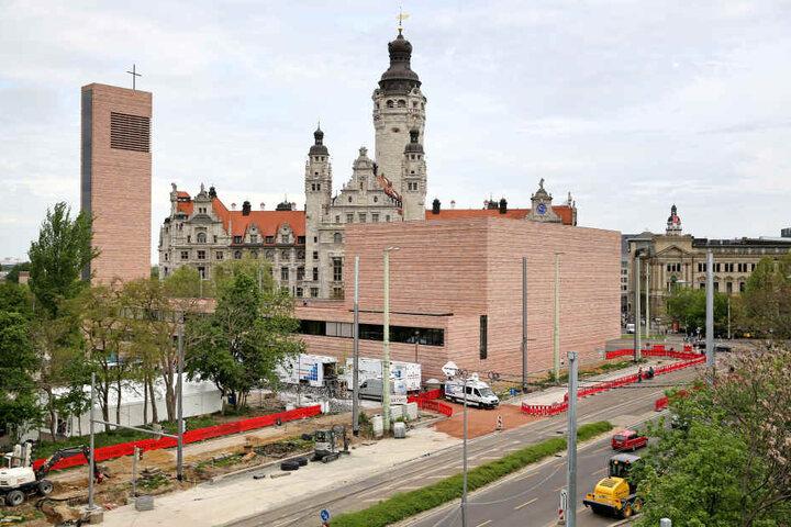 Die neue Probsteikirche am Leipziger Innenstadtring ist der größte Kirchenneubau im Osten seit der Wende. Zwei Glocken wurden aus der alten in die neue Kirche verbracht.