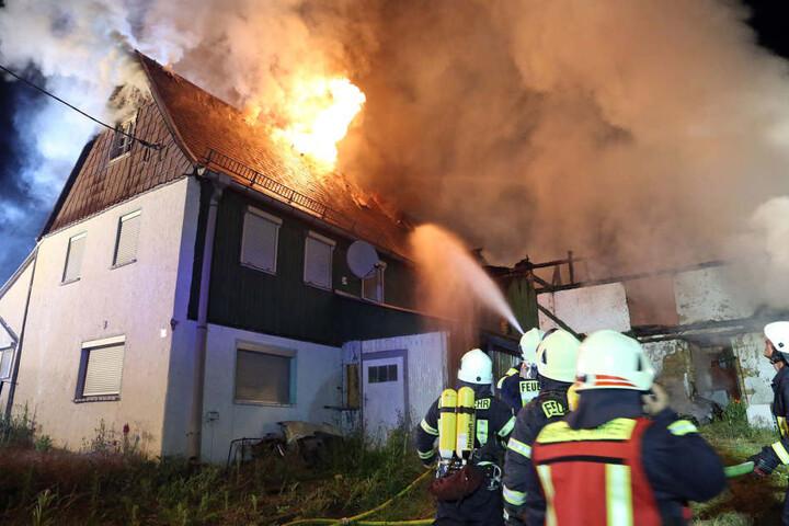 Gleich acht Freiwillige Feuerwehren waren im Einsatz, um den Brand zu löschen.