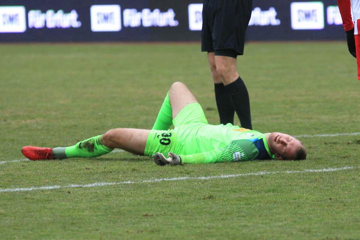 Lukas Cichos musste sich auswechseln lassen, hatte sich vorher am Rücken verletzt.