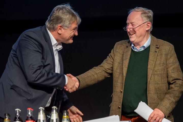 Der AfD-Bundeschef und Spitzenkandidat Jörg Meuthen (links im Bild) und Co-Bundeschef Alexander Gauland werden bei der Auftaktveranstaltung in Offenburg erwartet. (Archivbild)