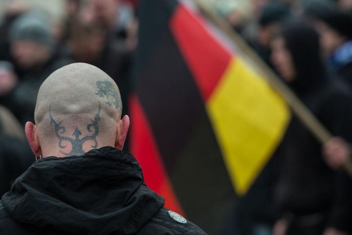 Vier Personen wurden im Zusammenhang mit dem verbotenen Nazi-Netzwerk festgenommen. (Symbolbild)