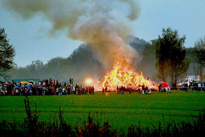 Rund 1000 Besucher erwartet der Himmelfahrtsverein zum Hexenfeuer in Rabenstein.