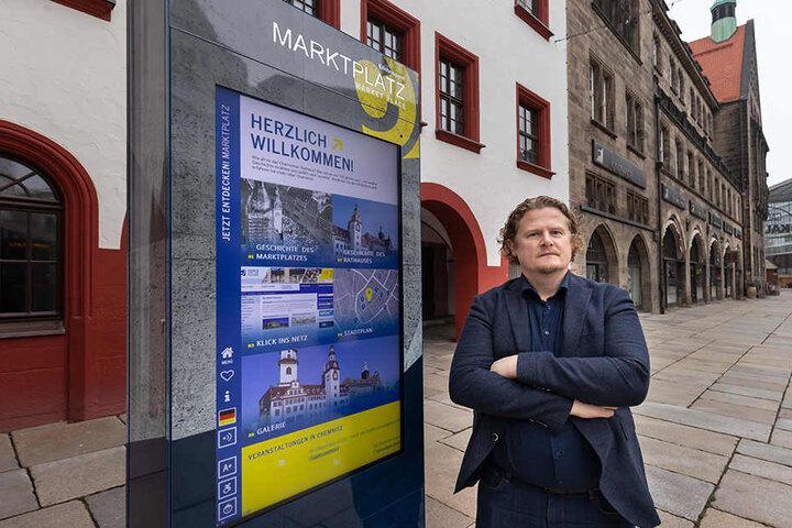 Stadtrat Lars Fassmann (41, Vosi/Piraten) hält nicht viel von den Infostelen. Sie seien störanfällig.