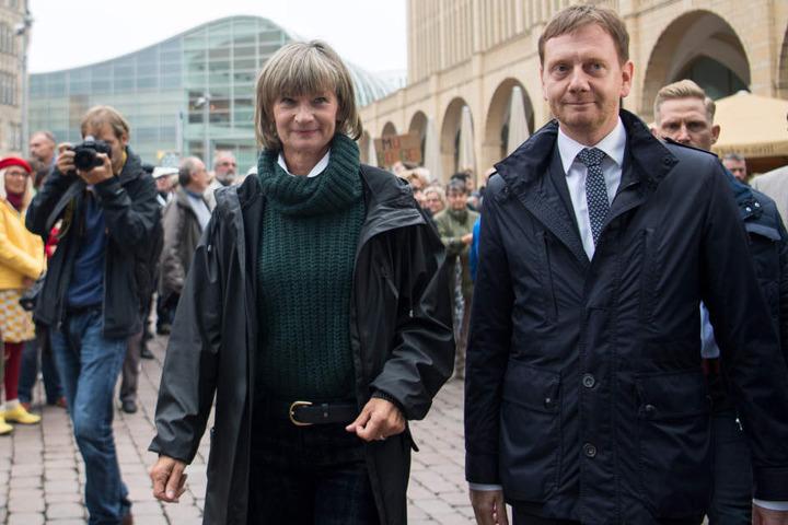 Barbara Ludwig (SPD), Oberbürgermeisterin von Chemnitz und Michael Kretschmer (r, CDU), Ministerpräsident von Sachsen.