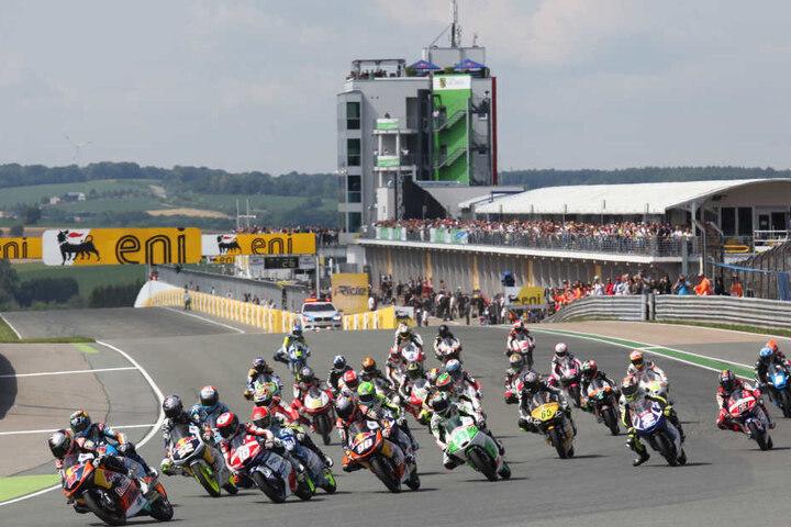 Zur Sachsenring Classic treten rund 650 Fahrer an, zehntausende Besucher  werden erwartet.