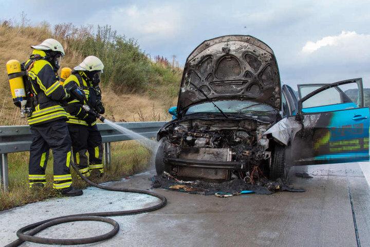 Trotz schnellen Eingreifens der Feuerwehr, brannte der Seat im vorderen Bereich aus.