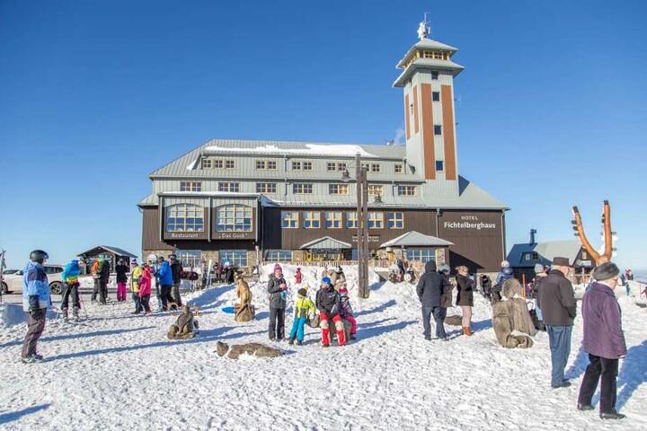 Auf dem Fichtelberg herrschen derzeit beste Wintersportbedingungen.