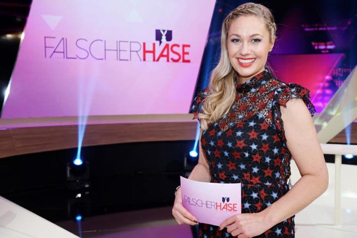"""Ruth Moschner moderiert charmant die RTL-Show """"Falscher Hase""""."""
