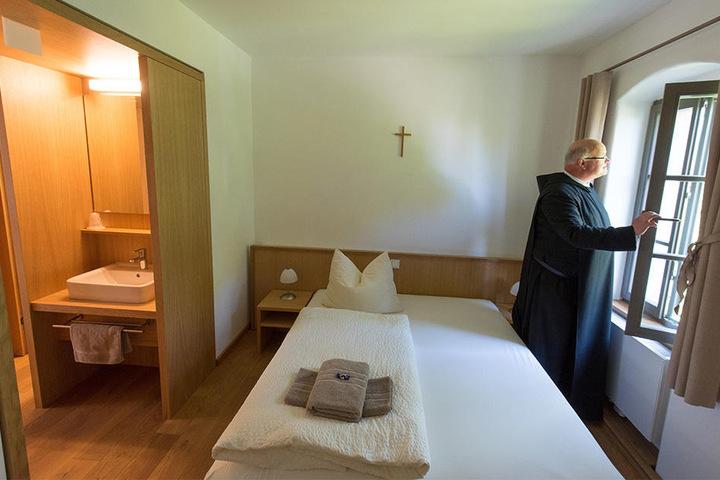 Im Benediktinerkloster Wechselburg können Ruhesuchende sich in Ferienwohnungen himmlich betten.