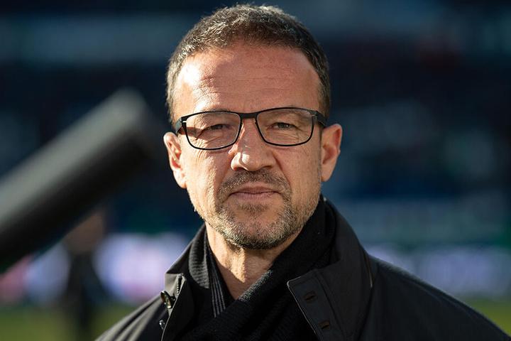 SGE-Sportdirektor Fredi Bobic hat aktuell alle Hände voll zu tun.