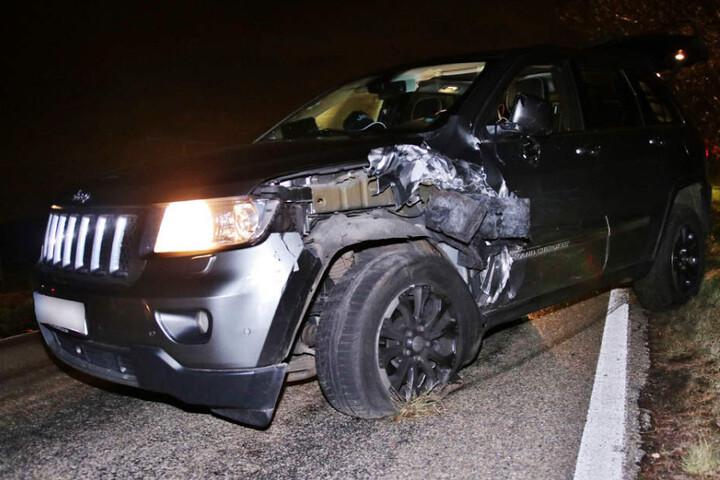 Warum der Fahrer (76) dieses Jeep in den Kuga krachte, ist noch unklar.