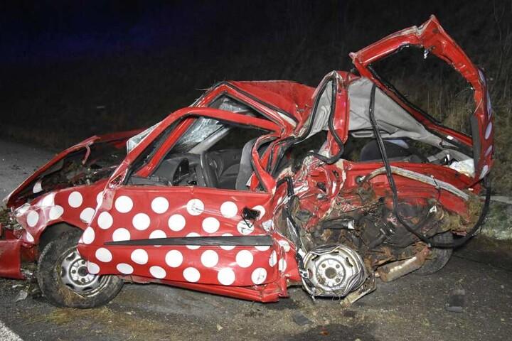 Die Familie in dem Suzuki wurde schwer verletzt.