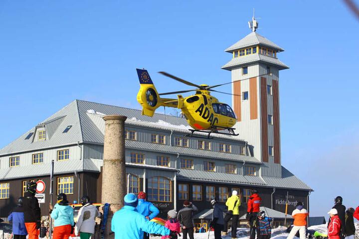 Der Junge wurde in die Uniklinik Leipzig geflogen.