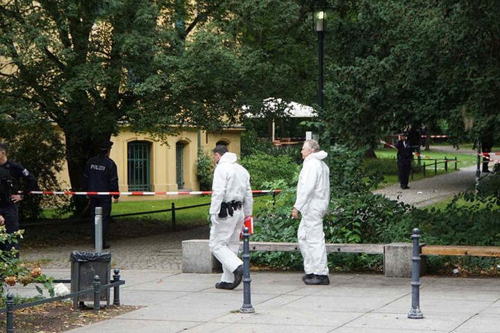 Spezialisten der Kriminalpolizei sind vor Ort.