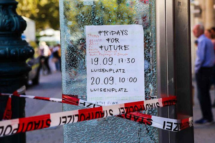 """Bei der Aktion wurde auch auf zwei offizielle Versammlungen von """"Fridays for Future"""" hingewiesen."""