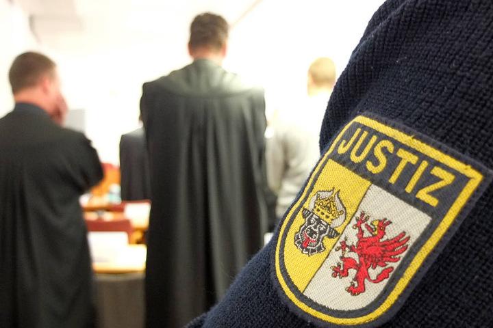 Die Richter müssen über die Schuld des Angeklagten entscheiden (Symbolfoto).