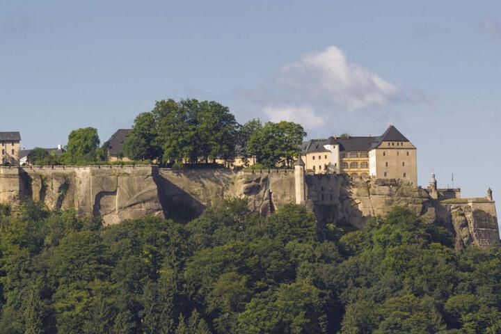 Die Festung Königstein thront 240 Meter hoch über der Elbe. Sie gilt als eine der größten Festungsanlagen Europas.