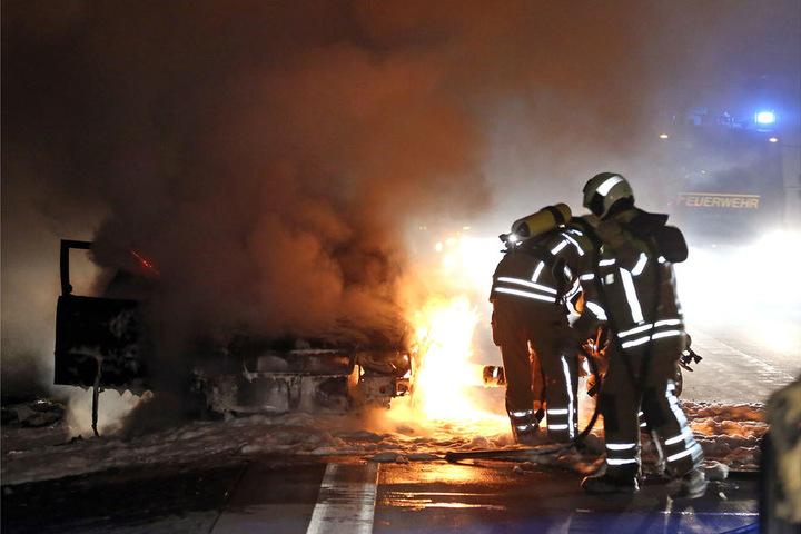 Als die Feuerwehr eintraf, brannte es bereits lichterloh.