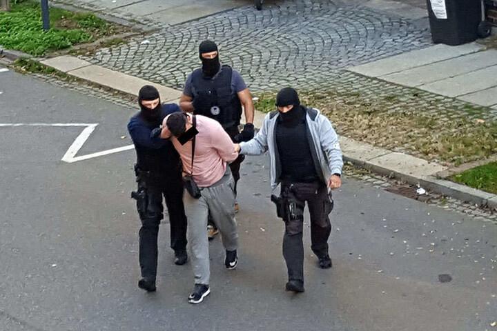 Mitten auf dem Sonnenberg klickten vor einem halben Jahr die Handschellen - nach monatelanger Observation hatten Spezialkräfte den Dealer festgenommen.