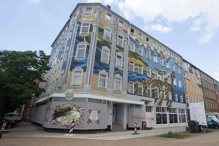 Der Brühl-Boulevard wird bunt: Auch andere Fassaden werden von Künstlern gestaltet.