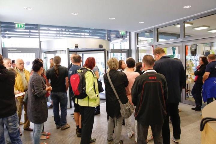 Im Haus der Presse standen die Menschen vor dem Ticketshop, um Kaisermania-Karten zu bekommen.