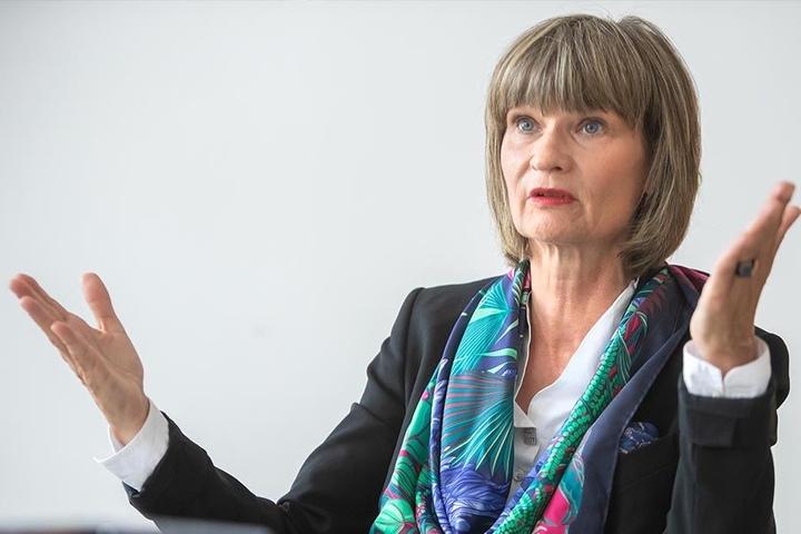 OB Barbara Ludwig (56, SPD) will die Bombendroherin zur Kasse bitten.