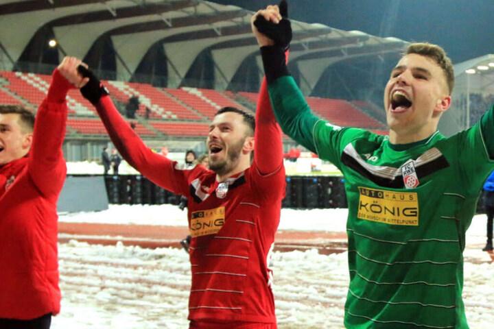 Große Freude bei den Erfurtern nach dem 3:1 Comeback vor heimischer Kulisse!