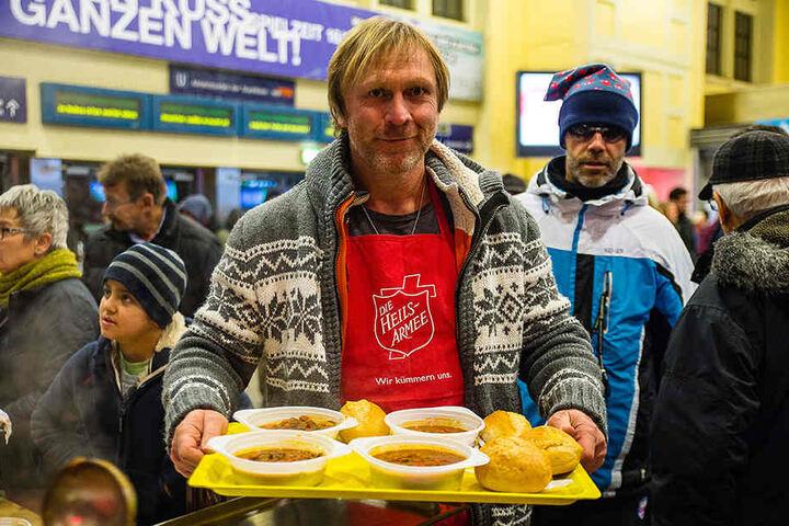 Schon an Weihnachten hatte Ex-Armine Ansgar Brinkmann (47) ein Herz für hilfsbedürftige Menschen.