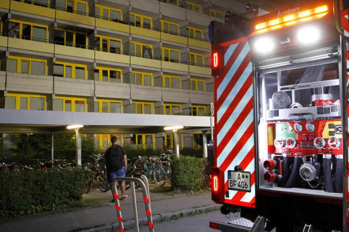 Die Feuerwehr konnte den Brand in einem Studentenwohnheim in Augsburg in den Griff bekommen.