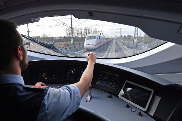 In dem Tunnel hatte der Zug anscheinend einen technischen Defekt, bewegte sich keinen Zentimeter mehr. (Symbolbild)