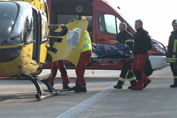 Ein verletzter musste per Hubschrauber in ein Krankenhaus geflogen werden.