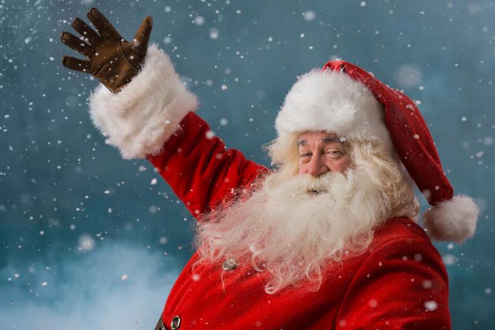 Über weiße Weihnachten freut sich auch der Weihnachtsmann. (Symbolbild)