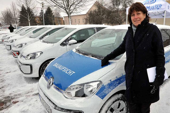 OB Pia Findeiß präsentierte am Mittwoch stolz die neuen Elektroautos.