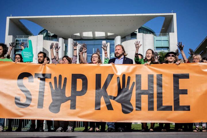 Ab 12 Uhr wollen einige tausend Menschen für mehr Umweltschutz demonstrieren. (Archivbild)