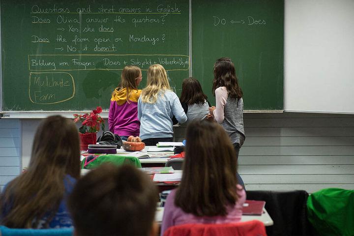 Eine bessere Ausbildung für Erzieher, bessere Arbeitsbedingungen, dazu das längere gemeinsame Lernen an Schulen, lauten weitere Ergebnisse.