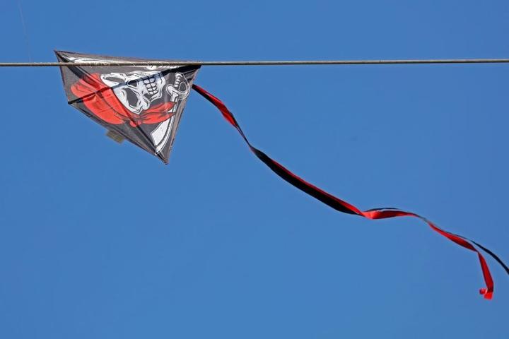 Der Drachen war am Wochenende in die Stromleitung geflogen.