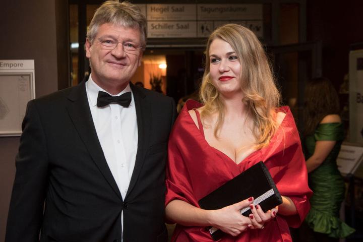 Der AfD-Bundesvorsitzende Jörg Meuthen und seine Partnerin Natalia Zvekic.