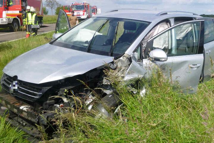 Auch der zweite Wagen wurde bei dem Crash schwer beschädigt.