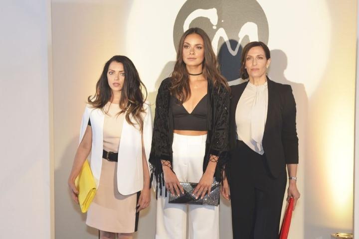 Emily (Anne Menden, l.), Jasmin (Janina Uhse, M.), Katrin (Ulrike Frank) drehten in Venedig.