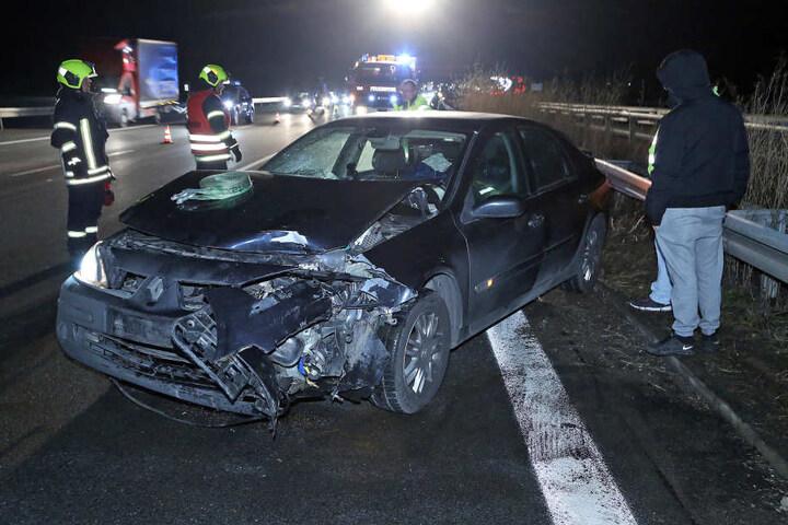 Ab dem Donnerstagnachmittag kam es auf der A4 zu mehreren Verkehrsunfällen. Immer stießen Fahrzeuge wegen Glätte zwischen Siebenlehn und Dresden-Nord zusammen.