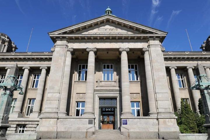 Der Prozess gegen die drei Männer findet vor dem Oberlandesgericht in Hamburg statt.