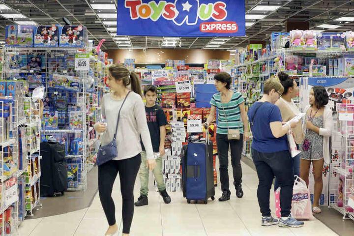 Toys 'R' Us lockt kleine und große Spielkinder an.