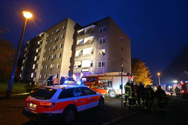 Warum in dem Gebäude ein Brand ausbrach, das ist noch nicht geklärt.