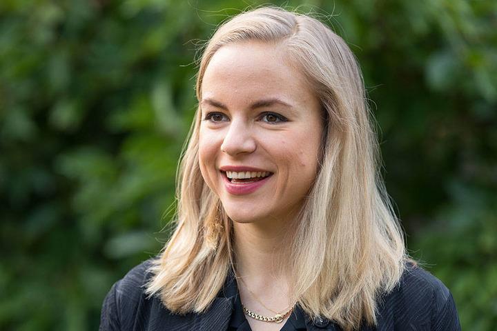"""Poetry Slammerin Julia Englemann landete auf Platz drei der """"100 peinlichsten Berliner""""."""