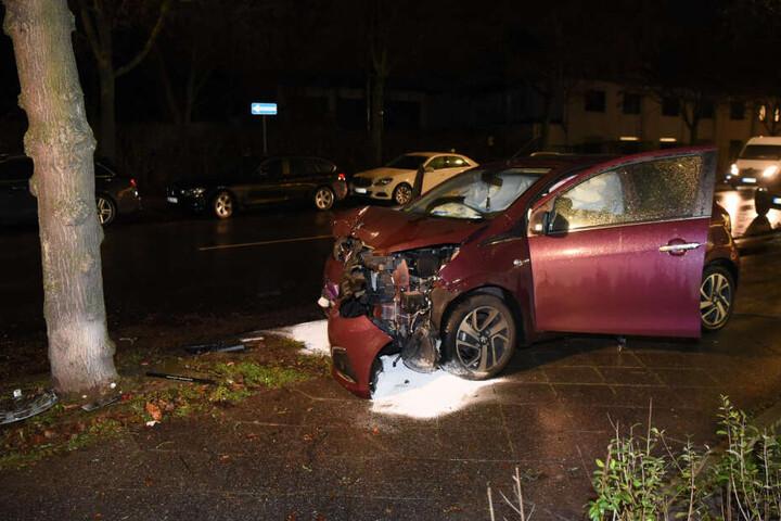 Nach dem Unfall habe dien Frau das Auto verlassen und Hilfe holen können.