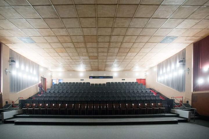 Der Große Saal des Apollo-Kino erhält eine Schönheitskur nebst VIP-Lounge.
