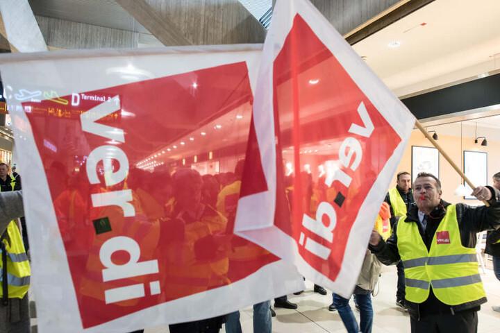 Verdi verlangt mehr Geld für die Sicherheitsmitarbeiter.