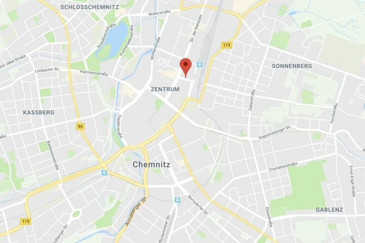Auf einer Baustelle in der Carolastraße in Chemnitz kam es zu einem Missgeschick.