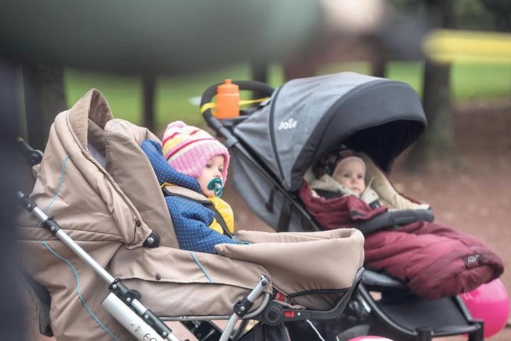 Da die Mütter meist direkt mit oder am Kinderwagen trainieren, kommt bei den  Kleinsten nur selten Langeweile auf.