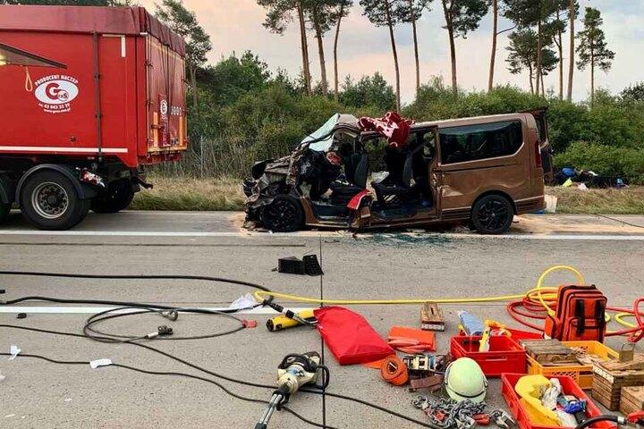Gegen 9.30 Uhr konnte die Sperrung des Autobahnabschnitts aufgehoben werden.